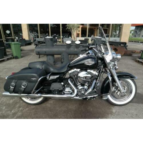 Harley-Davidson FLHRC Road King Classic (bj 2015)