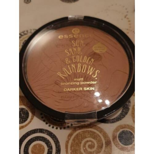 Essence Sun.Sand & Golden Rainbows bronzing poeder