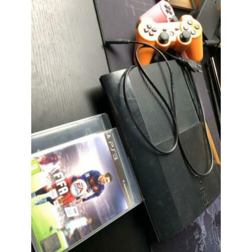 Playstation 3 + 2 controllers