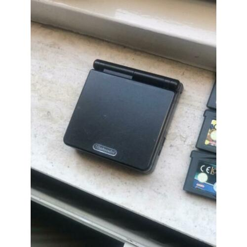 Gameboy Advance SP black editie met 11 spellen!
